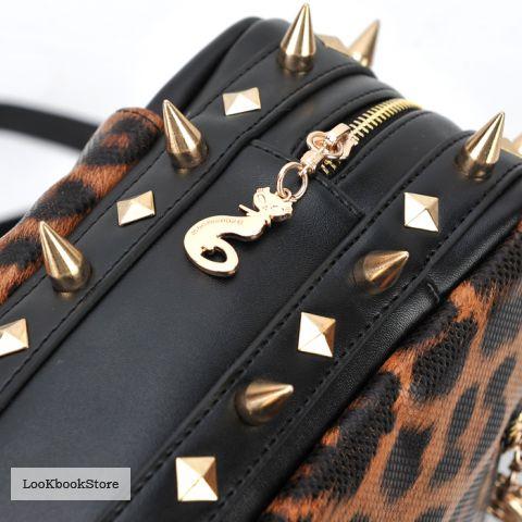 Леопардовая сумка с шипами.